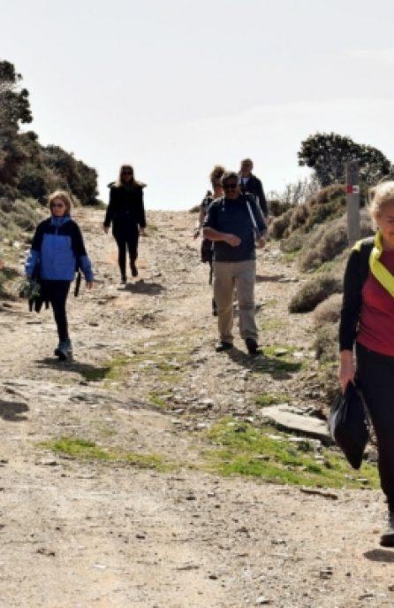 Στις ομορφιές της βορείου Άνδρου : παραλία Αγίου Πέτρου-πύργος-Άνω Γαύριο-Σχόλη-Γαύριο!…απολογισμός 5ης πεζοπορίας φροντίδας 2020!